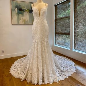 Martina Liana Boho Inspired Wedding Gown (10)